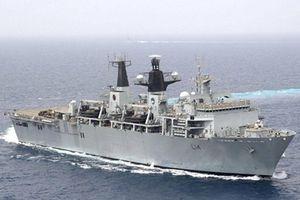 Tàu sân bay HMS Albion của Hải quân Anh cập cảng Tokyo