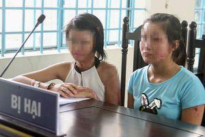 Đánh nhau náo loạn tại phiên tòa xử kẻ tạt axit 2 cô gái