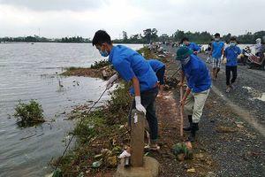 Huyện Quốc Oai: Ấm áp màu xanh tình nguyện nơi vùng lũ