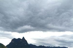 Hồ Tuyên Quang đã mở 1 cửa xả đáy