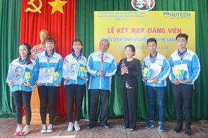 5 sinh viên tình nguyện được kết nạp Ðảng