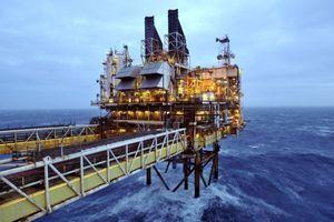 Giá dầu giảm không ngừng trong 4 tuần