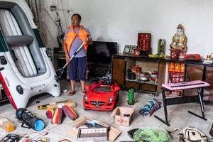Startup Trung Quốc giàu lên nhờ dụ người dùng mua 'rác' về nhà