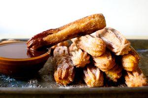 Mách bạn cách làm bánh quẩy Churros càng ăn càng ngon