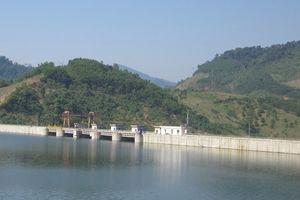 Mực nước sông Bùi tiếp tục giảm, hàng ngàn hồ chứa trên cả nước đang tích đầy nước