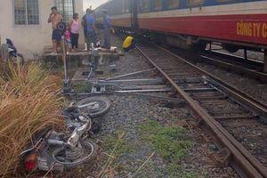 Băng ngang đường sắt, một người đàn ông bị tàu tông tử vong
