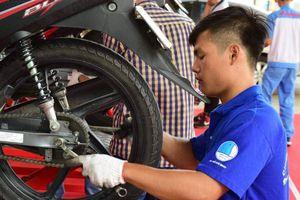 Thanh niên tình nguyện giúp dân nhiều việc thiết thực