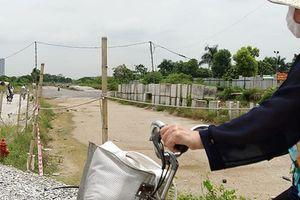 Ngổn ngang tuyến đường đổi bằng 180ha 'đất vàng' ở Hà Nội