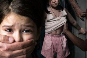 Chia sẻ của cô gái 18 tuổi về nạn ấu dâm đã cảnh tỉnh biết bao bậc cha mẹ