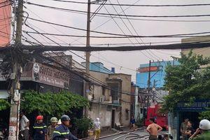 Cháy dữ dội tại một công ty sản xuất bao bì