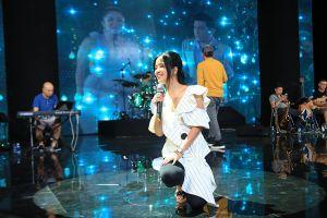 Lam Trường cảm xúc khó tả khi tái hợp `Bống` Hồng Nhung trên sân khấu thủ đô