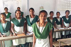 50 cô gái Ấn Độ hợp sức chống trộm cắp, xâm hại, tảo hôn