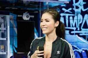 Diện trang phục thể thao, Minh Tú khoe dáng gợi cảm hút ánh nhìn