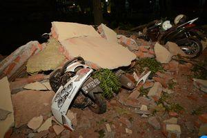 Hoang tàn đổ nát sau trận động đất khiến 82 người thiệt mạng tại Indonesia