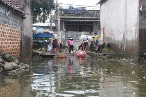 Mưa kéo dài đe dọa hồ chứa nước
