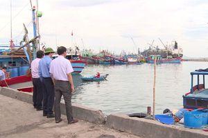 Cảng cá đã chật, còn cho cảng hàng thuê mặt nước!
