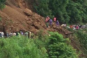 Sơn La: Mưa lớn gây sạt lở, quốc lộ 43 tê liệt