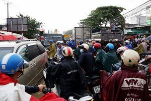 Nhiều tuyến đường ở TP Biên Hòa ngập sâu do mưa lớn