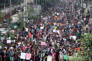 Đoàn xe của đại sứ Mỹ tại Bangladesh bị tấn công