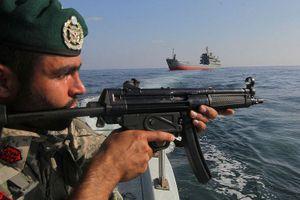 Iran xác nhận đã tiến hành tập trận quân sự tại eo biển Hormuz