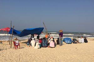 Nghệ An: Bị sóng cuốn khi tắm biển 2 người chết đuối