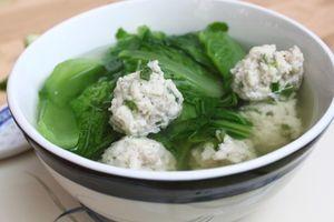 Clip: Cách làm canh cải bẹ xanh thịt viên ngon mát