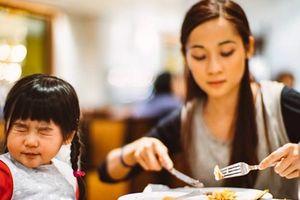 Trẻ không chịu ăn mẹ phải làm sao?