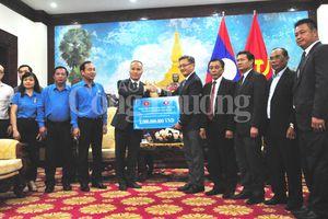 Bộ Công Thương trao số tiền hỗ trợ Lào khắc phục sự cố vỡ đập thủy điện