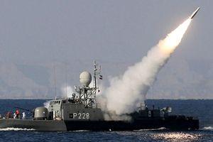 Hơn 100 tàu Iran tập trận ở eo biển Hormuz để dằn mặt Mỹ