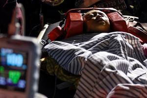 Nhân chứng trận động đất Indonesia kể lại phút chạy trốn nghẹt thở