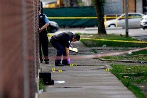 Đêm bạo lực tại Chicago, Mỹ: 44 người bị bắn