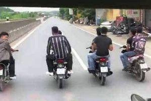 Xác định nhóm thanh niên đầu trần đi 4 xe máy hàng ngang trên QL 1A