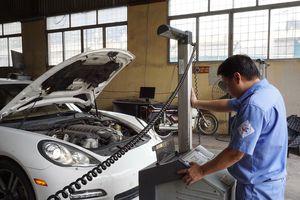 Nâng tiêu chuẩn khí thải ô tô: Chi phí, nhiên liệu đều khó