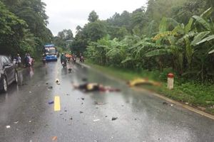 Va chạm với xe khách, 2 người đi xe máy tử vong tại chỗ
