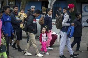 Brazil đóng cửa biên giới với Venezuela ngăn dòng người di cư