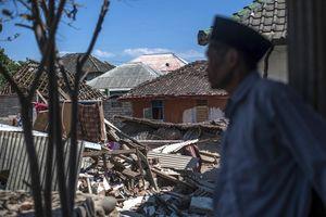 Tang thương bao trùm Indonesia sau trận động đất kinh hoàng