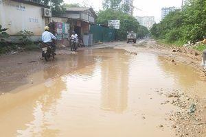Người dân' khốn khổ' qua đường Nguyễn Cảnh Dị kéo dài