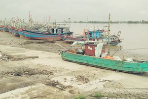 TP Sầm Sơn, Thanh Hóa: Công trình sửa chữa thuyền bè bị bỏ hoang