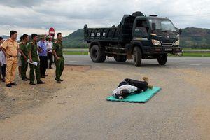 Lái xe cố tình chèn chết người: Tội ác man rợ của những kẻ vô nhân tính!