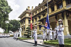 Lễ thượng cờ ASEAN và Quốc kỳ Việt Nam tại Hà Nội