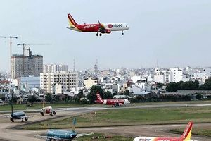 Tân Sơn Nhất thông báo sự cố mất điện khiến máy bay 'mù đường'