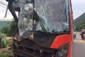 Quảng Nam: Xe giường nằm tông nhau, hàng chục hành khách thoát chết