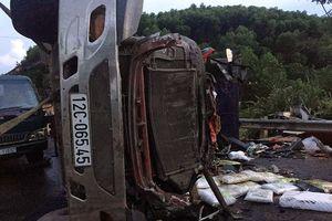 Hai xe tải đâm trực diện, 2 người chết, 1 người bị thương nặng