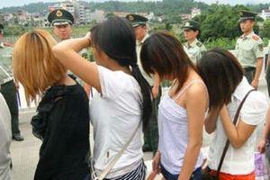 Bắt 'ông trùm' chuyên lừa bán thiếu nữ vào động mại dâm ở Trung Quốc