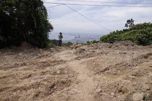 San ủi đất ở bán đảo Sơn Trà để làm công trình phòng chữa cháy