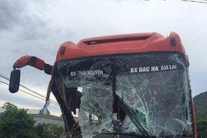 Hãi hùng tai nạn liên hoàn ở Quảng Nam, hàng chục hành khách khiếp vía