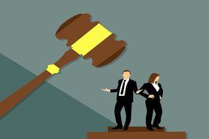 Lĩnh án phạt 200 tỷ đồng vì ngoại tình với vợ người khác