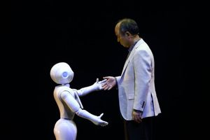 Tỉ phú giàu nhất Nhật Bản dành 97% thời gian, tâm sức cho AI