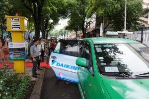 Thí điểm 5 vị trí đón taxi cố định khu vực trung tâm TP. HCM