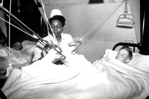 Thân phận nữ y tá người Mỹ da đen trong Thế chiến II